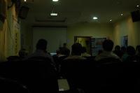 Palestrante Motivacional sendo apresentado no Auditório Bragança