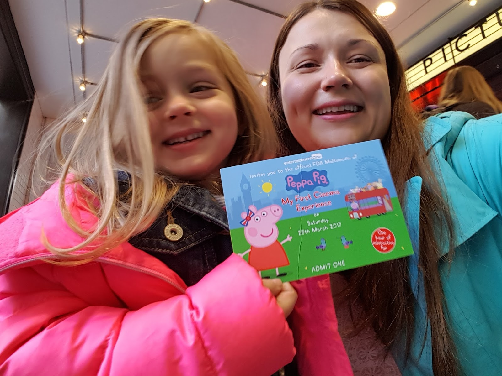 mum and daughter at peppa pig premiere