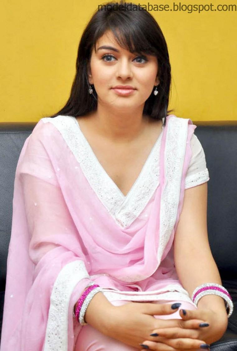 Hansika Motwani Super Cute Pics In Salwar Kameez
