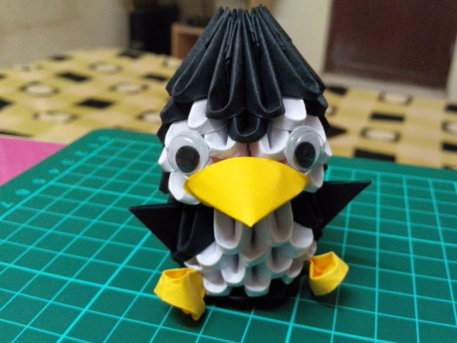 Kaurscrafts: 3d Origami penguin, chicken and dragon boat - photo#42