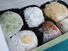 Resep makanan indonesia kue mochi ketan hitam spesial (istimewa) praktis mudah legit, sedap, enak, nikmat lezat