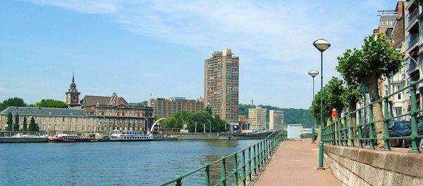 Pour votre voyage Liège, comparez et trouvez un hôtel au meilleur prix.  Le Comparateur d'hôtel regroupe tous les hotels Liège et vous présente une vue synthétique de l'ensemble des chambres d'hotels disponibles. Pensez à utiliser les filtres disponibles pour la recherche de votre hébergement séjour Liège sur Comparateur d'hôtel, cela vous permettra de connaitre instantanément la catégorie et les services de l'hôtel (internet, piscine, air conditionné, restaurant...)