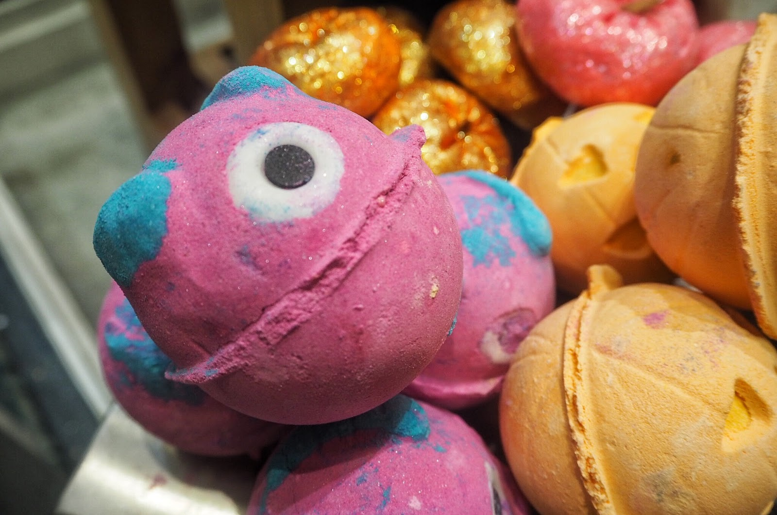 Lush, Halloween, 2017, Bath bombs, Bubble Bars, Autumn, Monsters Ball, Monsters Inc