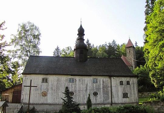 Kościół św Józefa i św Krzyża w Międzygórzu.