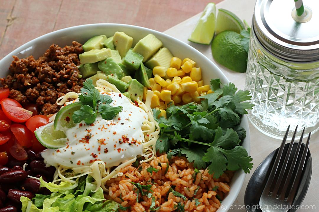 burrito bowl rezept mit mexikanischem reis und taco meat