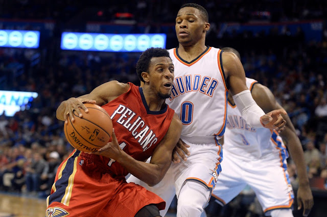 Ish Smith (11.9 points et 8.1 passes décisives) surprend mais NOLA est mal