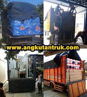 Angkutan Truk di Jakarta