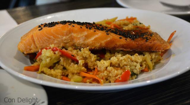 פילה סלמון עם בורגול salmon fillet with bulgur