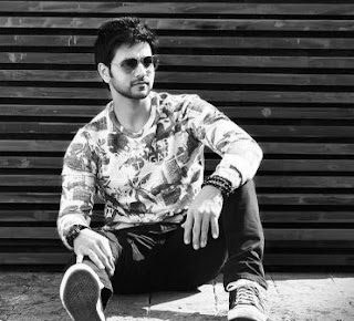 Shakti Arora Family Wife Son Daughter Father Mother Marriage Photos Biography Profile