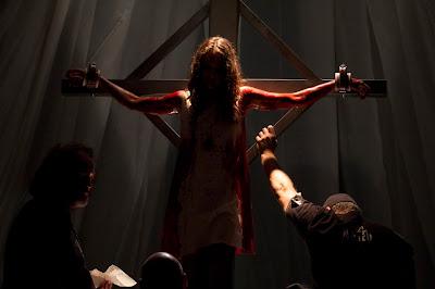 Martyrs | Confira a data de estreia, trailer legendado, poster nacional e imagens