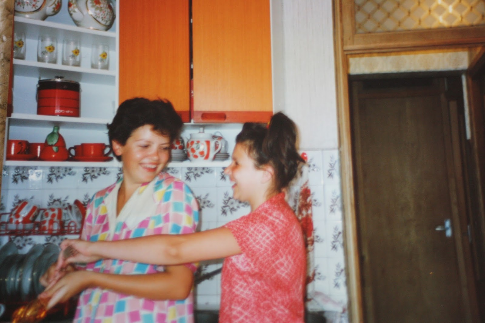 Sochi-memories-sisters-1990