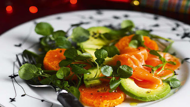 Low carb Christmas food ideas - Page 3 Compressed_Colourful-Christmas-salad-