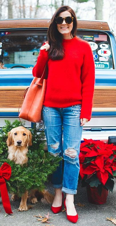 beautiful christmas outfit_red sweater + bag + shoes + boyfriend jeans