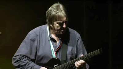 progressive-guitar-virtuoso-allan-holdsworth-dead