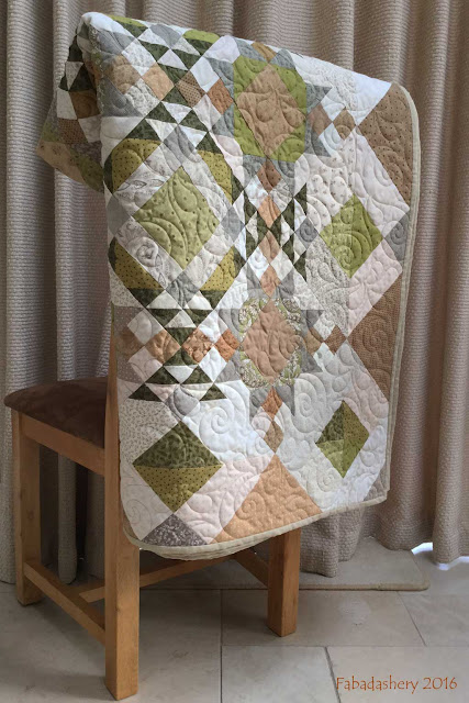 Allietare Mystery Quilt with Wave on Wave Pantograph