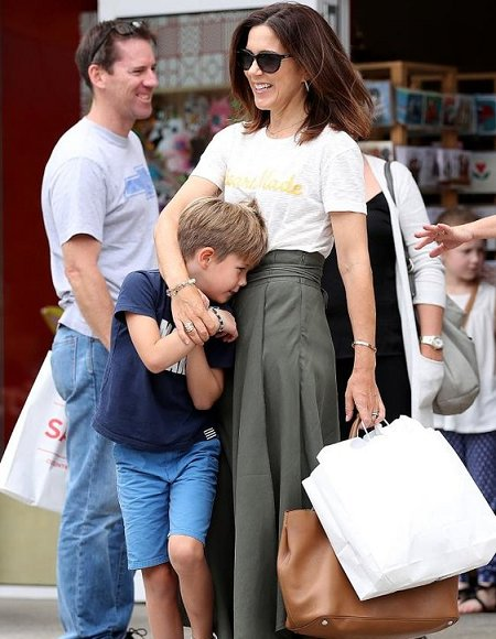 Princess Isabella wore Zara Shirt, Ralph Lauren Bag, Chloé Ballerina Shoes, Princess Josephine, Princess Mary
