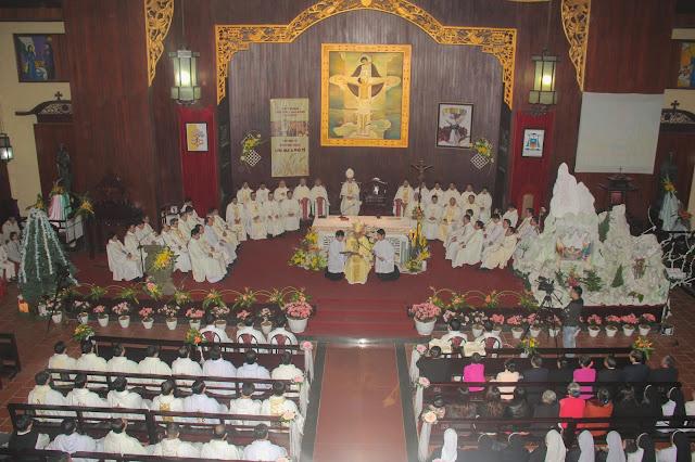 Lễ truyền chức Phó tế và Linh mục tại Giáo phận Lạng Sơn Cao Bằng 27.12.2017 - Ảnh minh hoạ 109