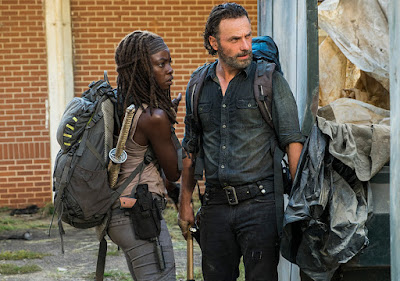 Michonne (Danai Gurira) e Rick Grimes (Andrew Lincoln) nell'episode 12