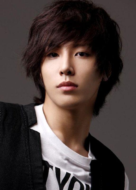 New Korean Hair Style 2013: Korean Hairstyles for Men 2013