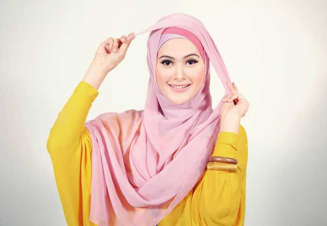 Model Jilbab Segi Empat Untuk Sehari-Hari yang Sederhana dan Cantik