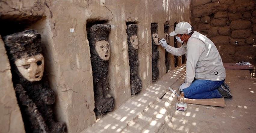 CHAN CHAN: Hallan 20 ídolos de madera y murales de unos 800 años de antigüedad en el complejo arqueológico
