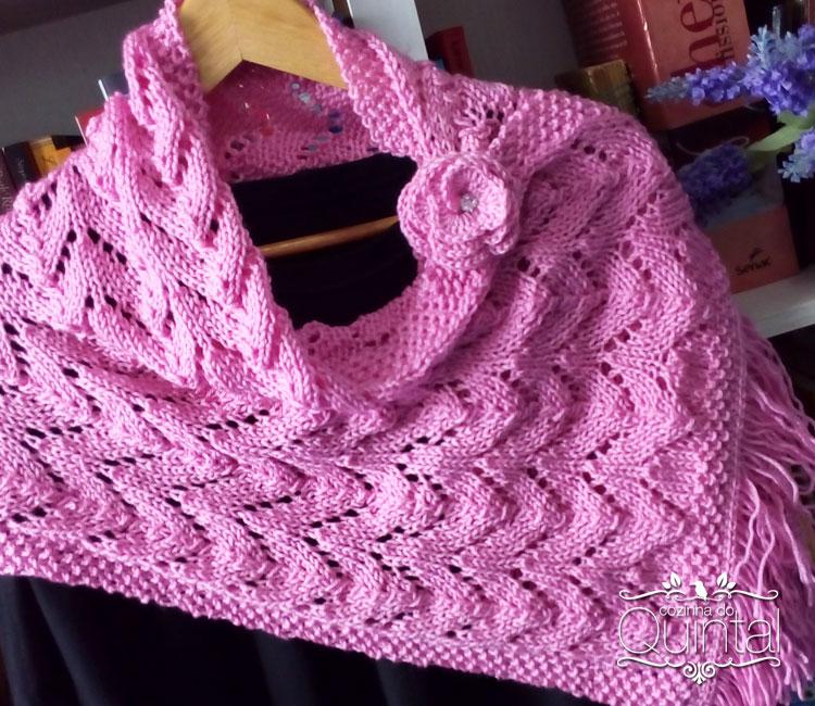 Uma linda echarpe de tricô em ponto ajurado, que vai aquecer a minha amiga que trabalha de madrugada no computador =)