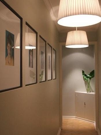 decoração de corredor com fotos