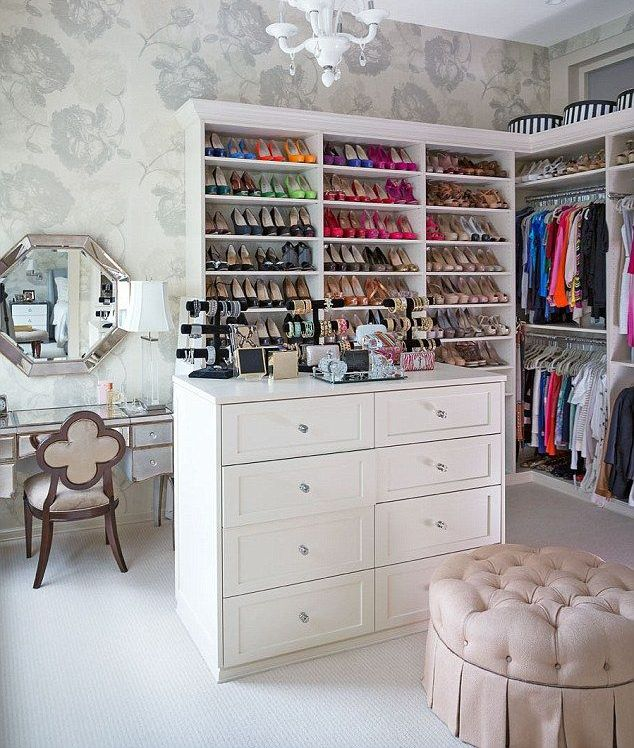 how to build your dream closet i want it all fashion beauty and lifestyle blog. Black Bedroom Furniture Sets. Home Design Ideas