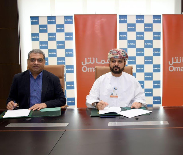 Premkumar Seshadri, Executive Vice-Chairman & MD, HCL Infosystems (L) and Talal Said Al-Mamari, CEO of Omantel -II (2)