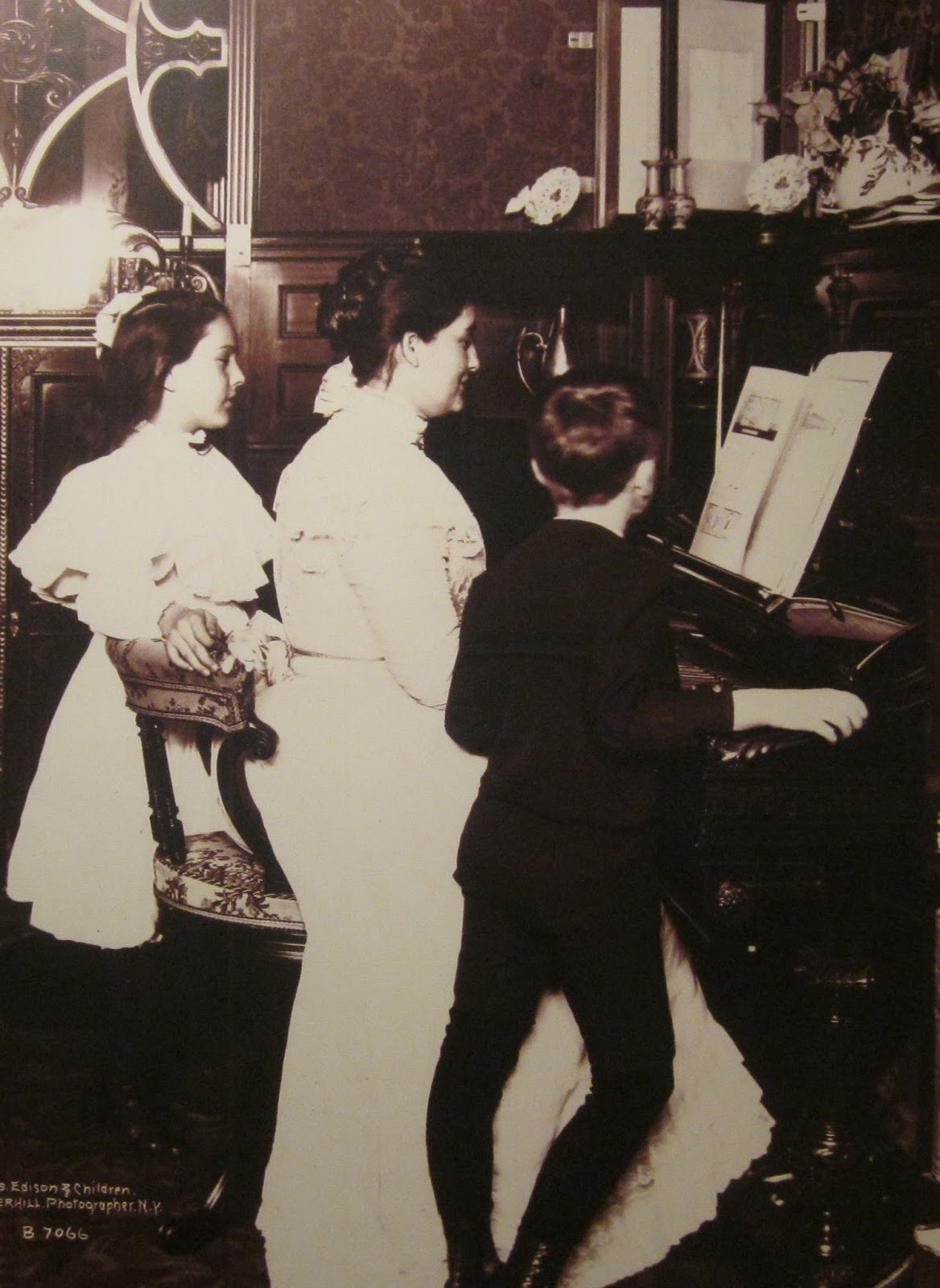 Mikel Agirregabiria: Madres de genios: Caso de Thomas Edison