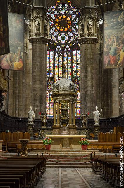 Duomo Milan viaje Italia interior