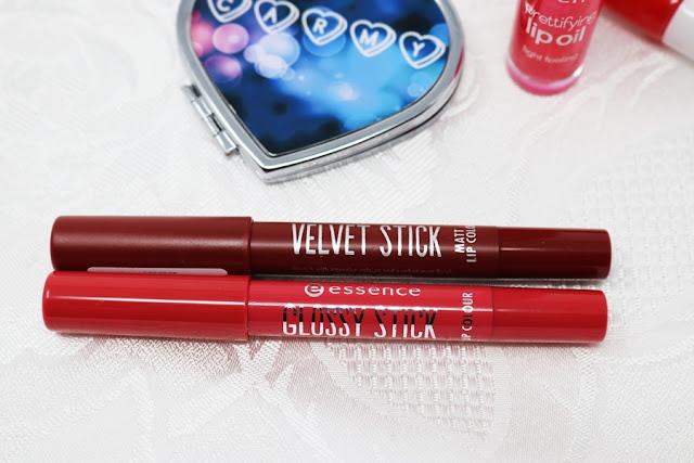 Essence, matitone Velvet Stick e Glossy Stick