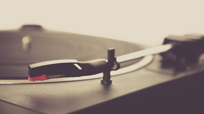 Wallpaper: Vinyl Player