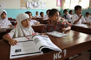 respon siswa sekolah dasar terhadap karya sastra bahasa indonesia