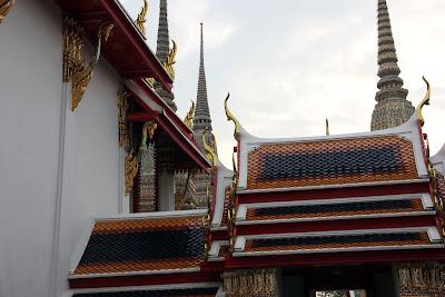 Tetti a punta di Bangkok Thailandia