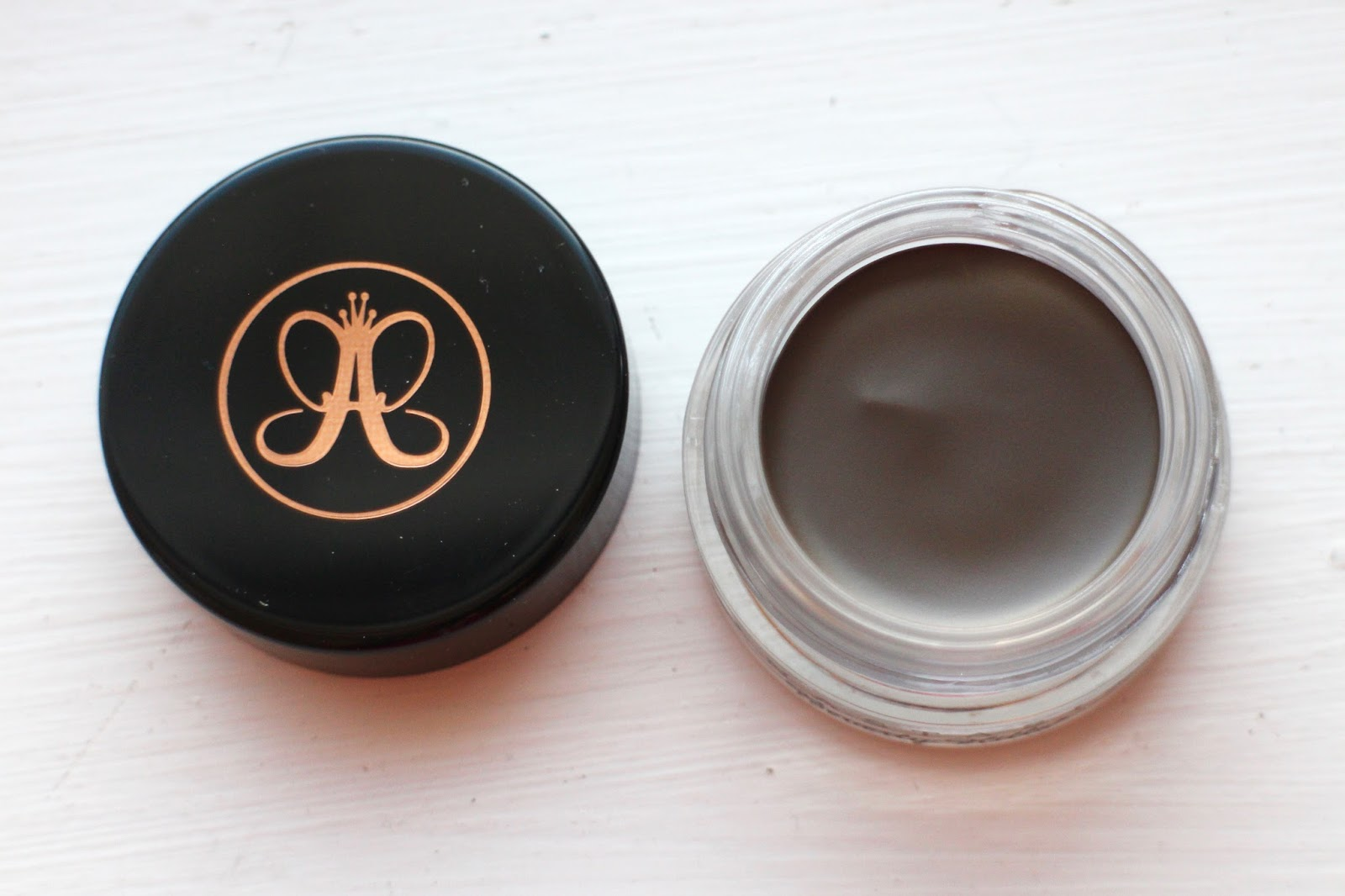 anastasia beverly hills dipbrow pomade review