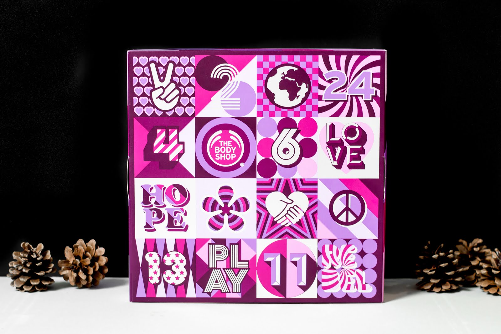 The body shop, advent calendar, 2017, adventskalender, kerstcollectie, frosted berries, frosted plum, vanilla chai, beauty gifts, christmas