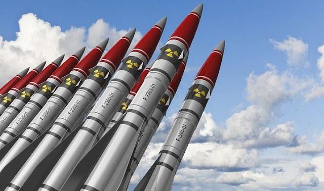 lomba membuat nuklir menyimpan senjata