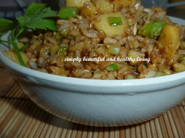 Fried Rice with Chinese Leeks and Apple Cubes