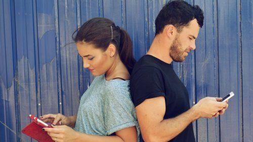 Resultado de imagen de Ventajas de las redes sociales en la pareja