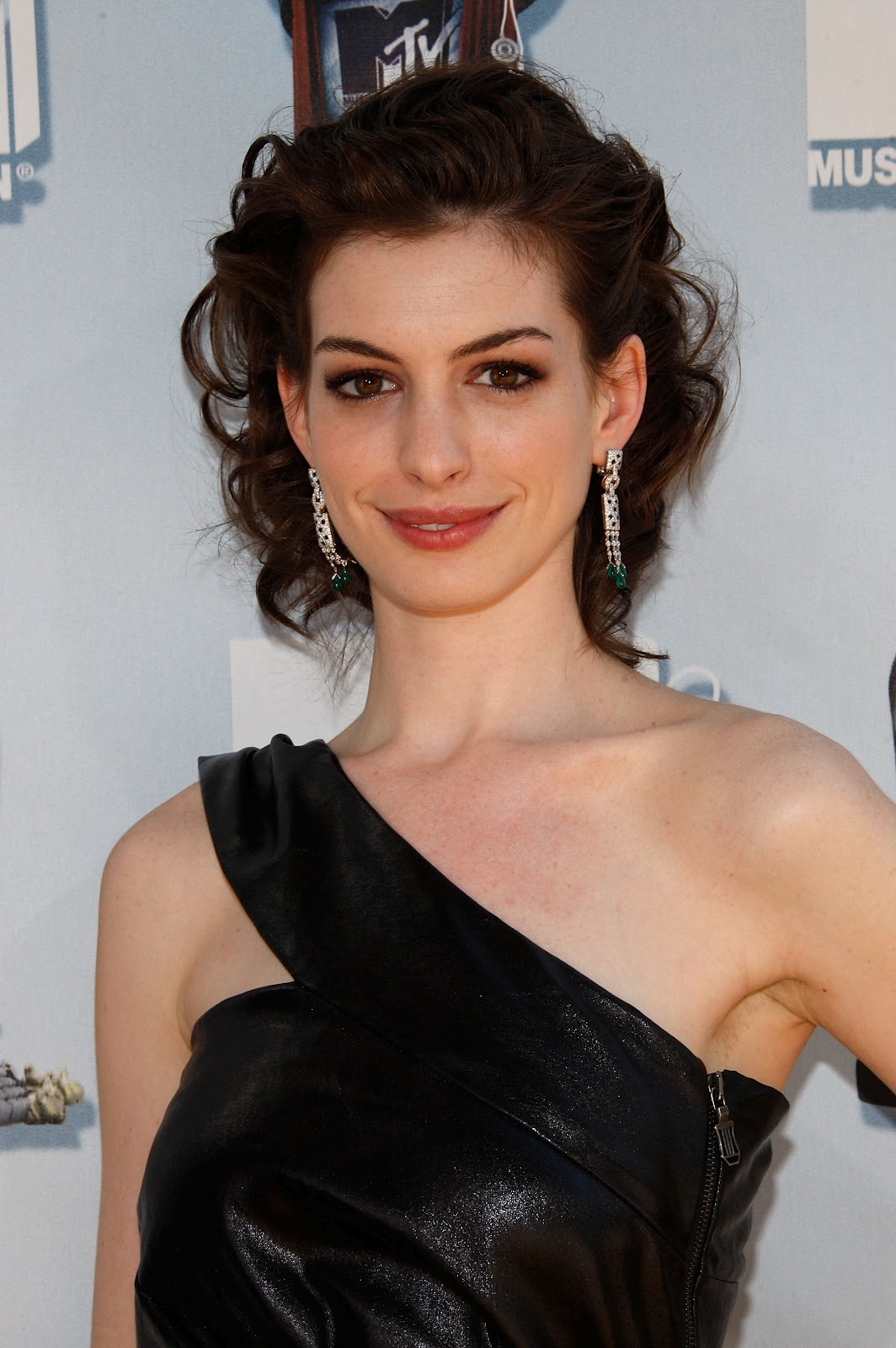 Anne Hathaway Special Pictures 12  Film Actresses-4848