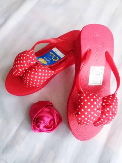 sandal spon Orin Polkadot pita merah