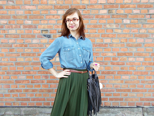 Babcina spódnica i dżinsowa koszula