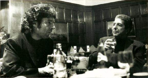Morente y Leonard Cohen sentados en una cafetería charlando