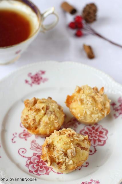 mini muffin con prosciutto cotto  e nocciole