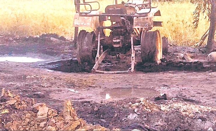हसनपुर में आग से गांव जला, कई पशु भी जिंदा जले