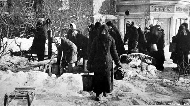 Leningrad during the siege, 13 January 1942 worldwartwo.filminspector.com
