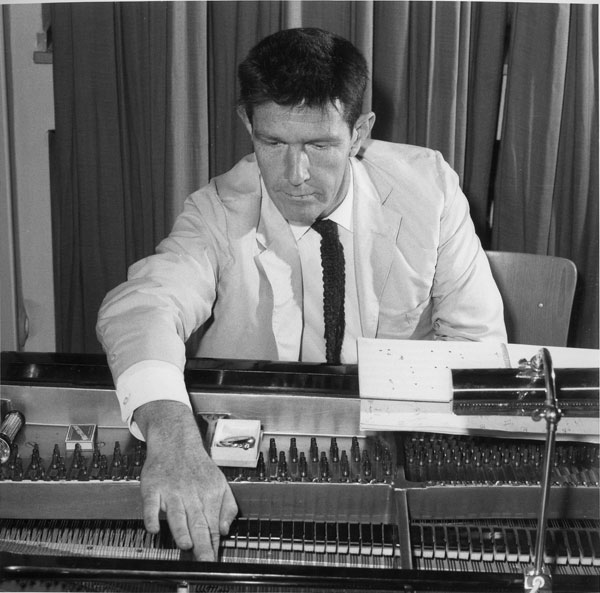 """tonyface: 4'33"""" - John Cage"""
