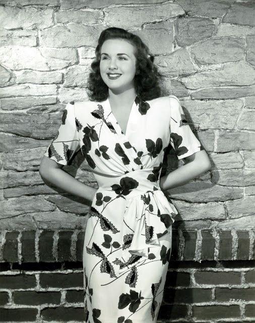 sukienka kopertowa retro