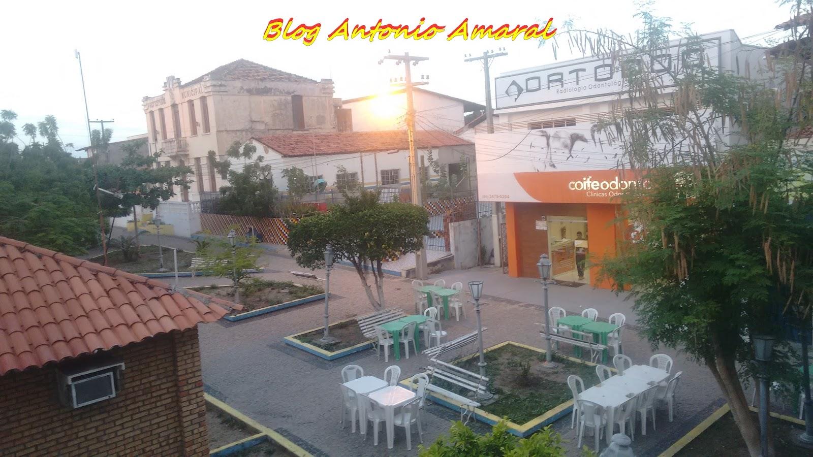 Blog Antonio Amaral  Imagens do dia em Tutoia... Praça Getúlio ... ff5b19a428c71
